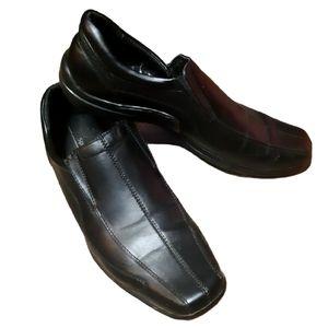 SPRING | black vegan leather dress shoe sz 41/8